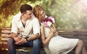 Картинка взгляд, девушка, счастье, скамейка, букет, мужчина, влюбленные