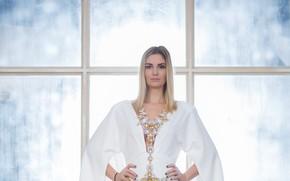 Картинка взгляд, поза, модель, макияж, платье, актриса, Агата Муцениеце, Agata Muceniece
