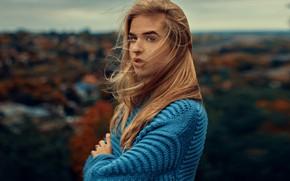 Картинка взгляд, город, ветер, волосы, Девушка, Tomas Bark