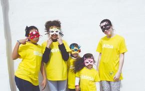 Картинка дети, маски, улыбки, жесты, Los Fabulosos Diez