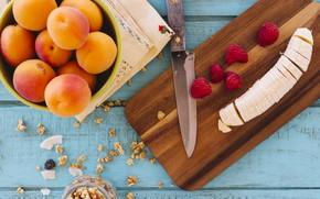 Обои ягоды, завтрак, банан, разделочная доска, гранола