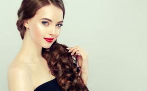Обои взгляд, девушка, лицо, волосы, рука, портрет, красота, макияж, брюнетка, профиль, украшение, Brunette, длинные волосы, сережки, ...