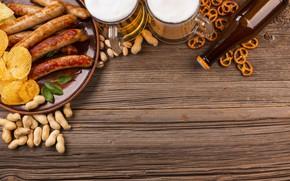 Картинка пена, бокал, бутылка, сосиски, пиво, орехи, орешки, beer, арахис, чипсы, купаты, крендели