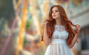 Картинка поза, модель, портрет, макияж, платье, прическа, красотка, стоит, рыжеволосая, в белом, боке, MWL Photo