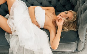 Картинка взгляд, девушка, диван, модель, Катерина Ширяева, Алексей Мартынюк