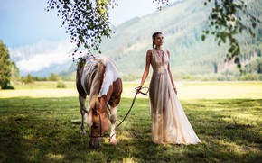 Обои поле, девушка, солнце, фото, лошадь, платье, Miki Macovei, Matea