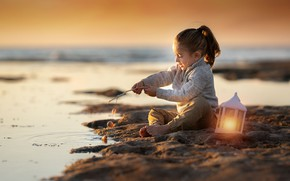 Картинка море, девочка, фонарь, Keren Genish