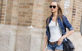 Картинка взгляд, поза, улица, модель, фигура, очки, model, look, pose, Victoria's Secret, Josephine Skriver, Жозефин Скрайвер