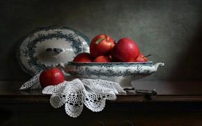 Картинка стиль, ретро, темный фон, стол, яблоки, еда, нож, красные, ваза, фрукты, крышка, натюрморт, много, комод, ...