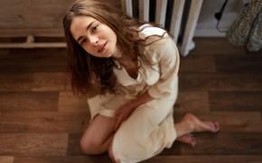 Картинка девушка, на полу, халат, Никита Иванов