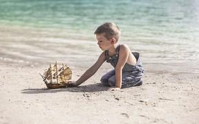 Картинка берег, мальчик, кораблик