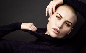 Картинка girl, model, look, piercing, bald, sweater, Vendela Lindblom, bald girl