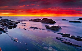 Картинка море, небо, камни, берег, горизонт, зарево