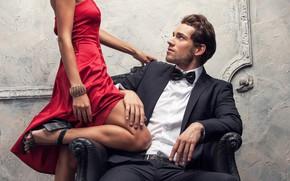 Картинка взгляд, девушка, поза, страсть, платье, мужчина, ножки, влюбленные