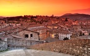 Картинка крыша, закат, дома, Италия, панорама, зарево, Перуджа