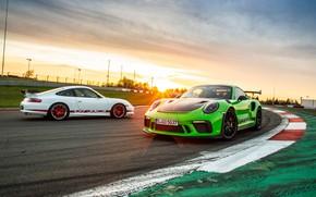 Картинка закат, 911, Porsche, пара, 2018, GT3 RS, Weissach Package