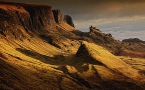 Картинка небо, свет, пейзаж, горы, тучи, природа, скалы, холмы, склон, Шотландия, тени, рельеф