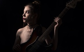 Обои девушка, гитара, Emilie Grungie