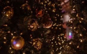 Картинка шарики, праздник, Рождество, Новый год, ёлка, позолота, хвоя, новогодние украшения, новогодние декорации