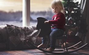 Картинка комната, праздник, игрушки, новый год, подушки, малыш, окно, мишка, ёлка, ребёнок, качалка, лошадка, рождевство, indre ...
