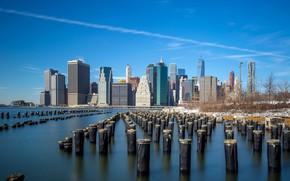 Обои небо, солнце, снег, деревья, пейзаж, столбы, дома, Нью-Йорк, залив, США, набережная, небоскрёбы