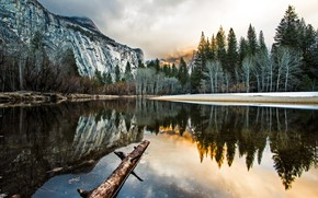 Картинка облака, деревья, пейзаж, горы, природа, озеро, отражение, Калифорния, США, бревно, Национальный парк Йосемити, заповедник