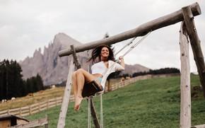 Картинка девушка, радость, горы, природа, улыбка, качели, ножки, David Olkarny