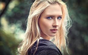 Картинка girl, long hair, photo, photographer, blue eyes, model, bokeh, lips, face, blonde, portrait, mouth, close …