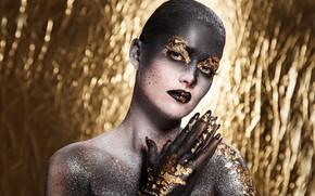 Картинка девушка, фон, золото, блеск, макияж, Beautiful, makeup, artistic, Sergejs Rahunoks