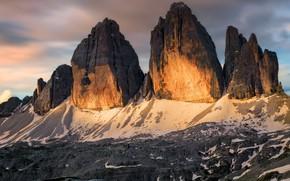 Обои облака, свет, горы, камни, скалы, вершины, вечер, Италия, рельеф, глыбы, горный хребет, Доломиты