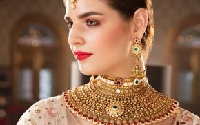 Картинка girl, fashion, eyes, smile, beautiful, model, lips, face, hair, pose, indian, makeup, ear rings, Jewelery