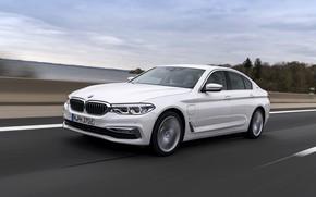 Картинка дорога, белый, BMW, ограждение, седан, гибрид, 5er, четырёхдверный, 2017, 5-series, G30, 530e iPerformance