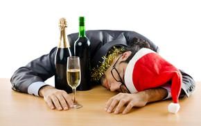 Картинка красный, настроение, праздник, вино, бокал, новый год, рождество, очки, костюм, спит, белый фон, лежит, мужчина, …