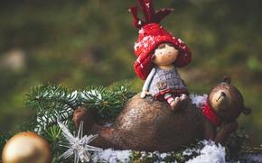 Картинка снег, ветки, праздник, игрушка, новый год, шар, рождество, ель, ёлка, фигурки, декор, композиция