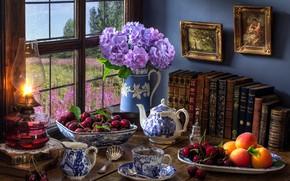 Обои цветы, стиль, ягоды, чай, книги, лампа, чайник, окно, кружка, картины, персики, черешня, гортензия