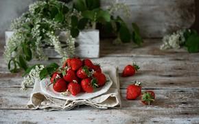 Картинка ягоды, клубника, тарелка, спелая