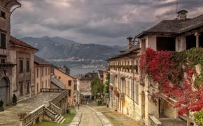 Картинка небо, облака, пейзаж, горы, тучи, озеро, дома, Италия, улочка, Orta San Giulio