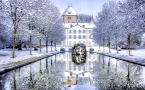 Картинка зима, снег, деревья, пруд, отражение, замок, Швейцария, Switzerland, Йегенсторф, Замок Йегенсторф, Jegenstorf Castle, Jegenstorf