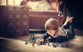 Картинка комната, Марианна Смолина, игра, ребёнок, игрушки, солдатики, кресло, мальчик