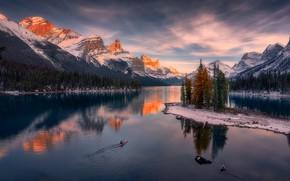 Картинка горы, озеро, остров, Канада, Альберта, Alberta, Canada, Jasper National Park, Национальный парк Джаспер, Канадские Скалистые …