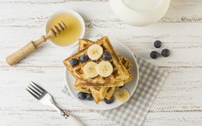Картинка ягоды, завтрак, черника, мёд, банан, вафли