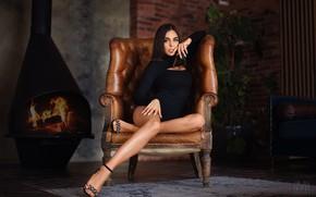 Обои взгляд, девушка, поза, кресло, руки, камин, ножки, Сергей Мелефара
