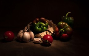 Картинка бумага, темный фон, перец, натюрморт, овощи, помидоры, чеснок, болгарский