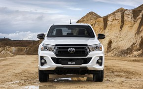Картинка белый, лужи, Toyota, вид спереди, пикап, Hilux, Special Edition, 2019