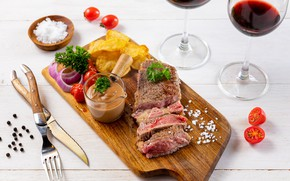 Картинка мясо, помидор, соус, картофель