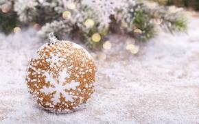 Картинка снег, елка, шар, Новый Год, Рождество, golden, Christmas, snow, New Year, ball, decoration, Happy, Merry, ...