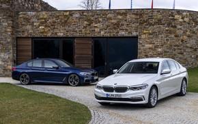 Картинка белый, здание, BMW, стоянка, гибрид, 5er, тёмно-синий, 2017, 5-series, G30, седаны, M550i xDrive, M-performance, 530e …
