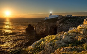 Картинка солнце, свет, закат, цветы, камни, скалы, маяк, вечер, желтые, горящий