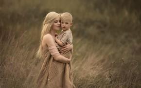 Картинка поле, любовь, природа, женщина, нежность, мальчик, объятия, блондинка, мама, ребёнок, шаль, сын, мать, Chudak Irena