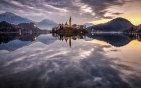 Картинка небо, горы, озеро, отражение, остров, Словения, Lake Bled, Slovenia